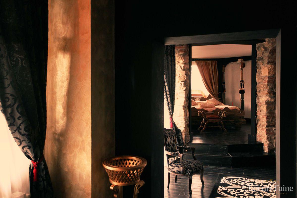 Apartament Regal, Castelul Lupilor_L