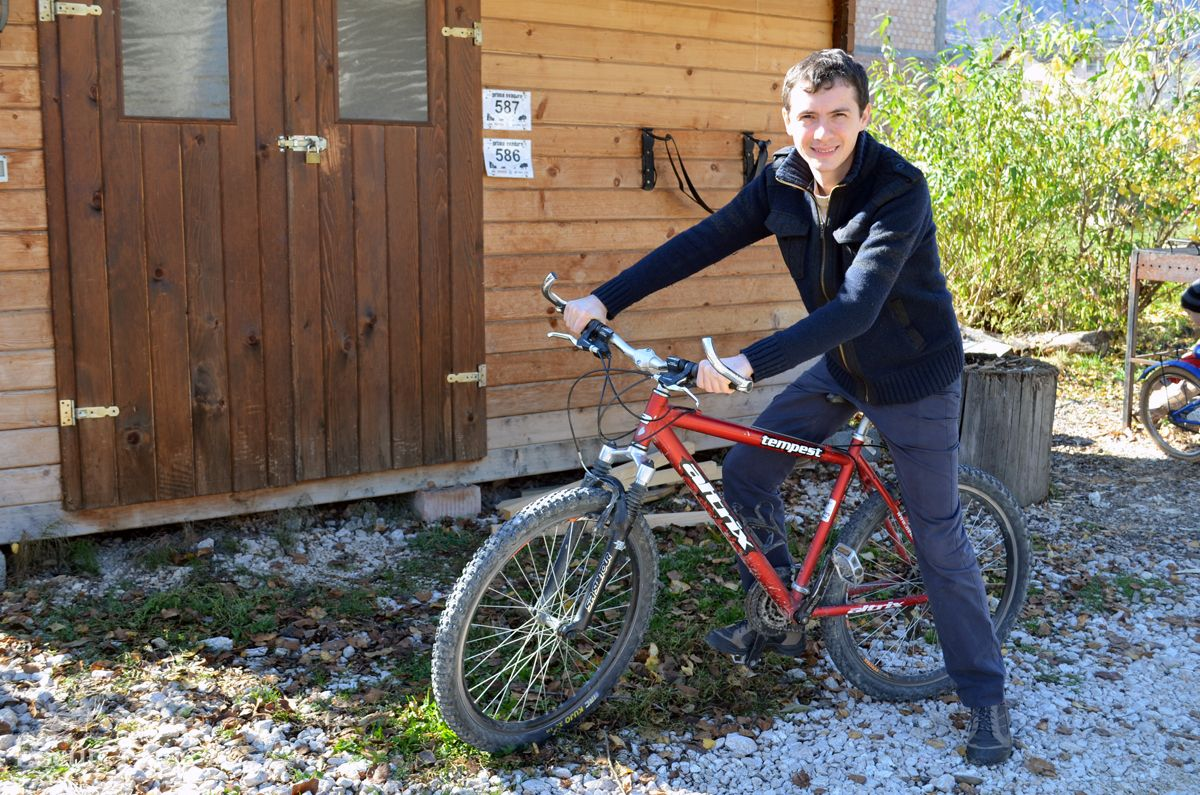 Plimbare cu bicicleta, Casa Tolstoi