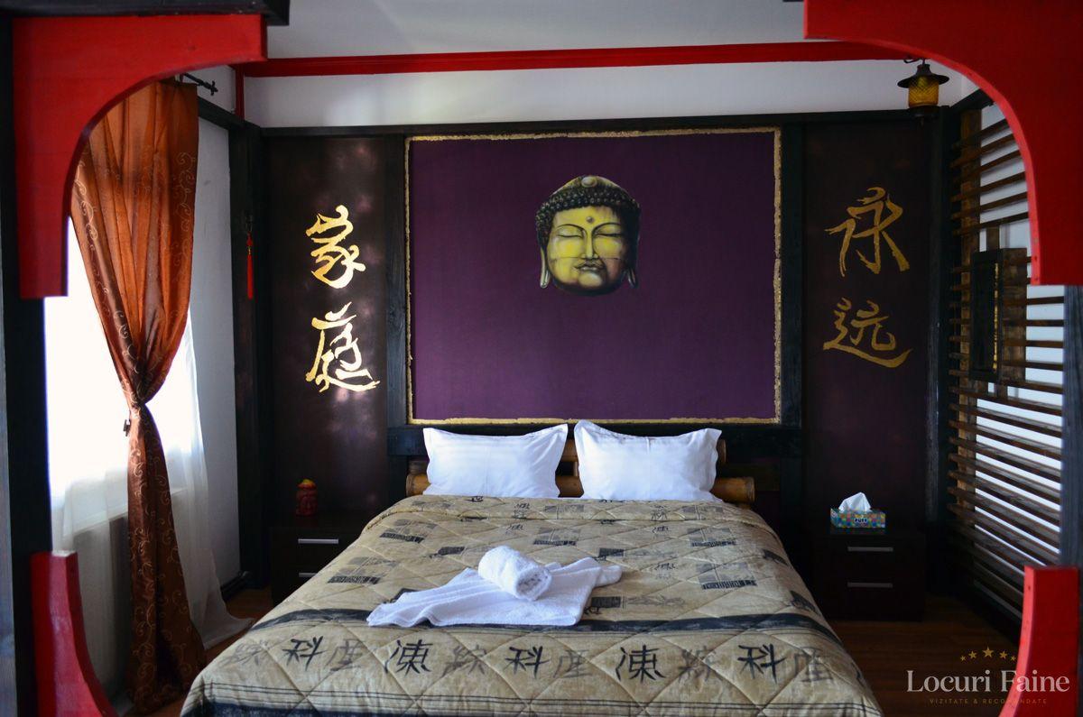 Camera Chinezeasca, Castelul Lupilor
