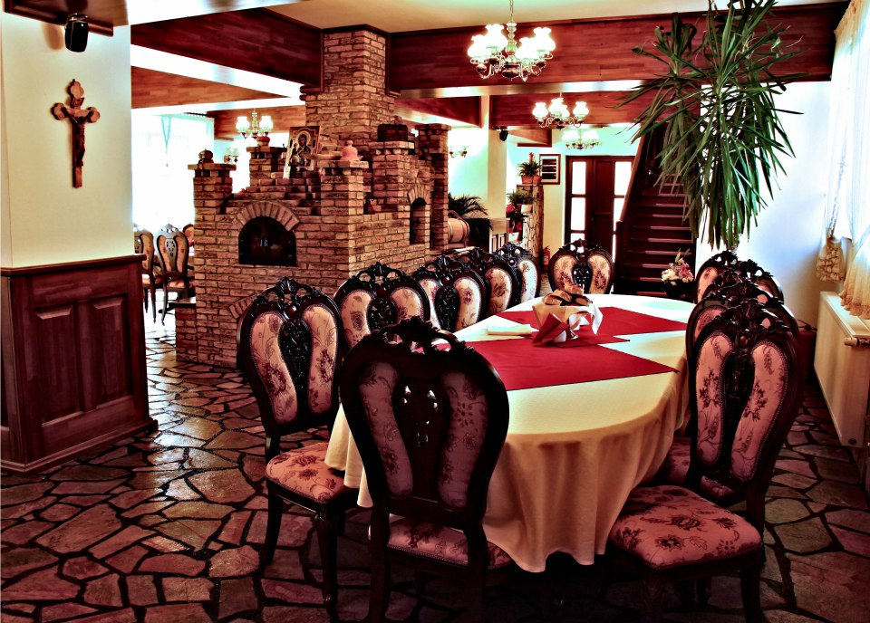 Restaurant, Casa Baciu
