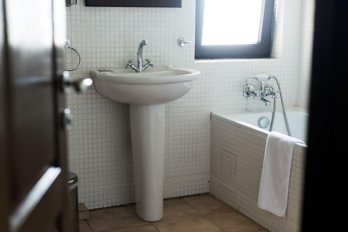 Toaleta, Satul Prunilor