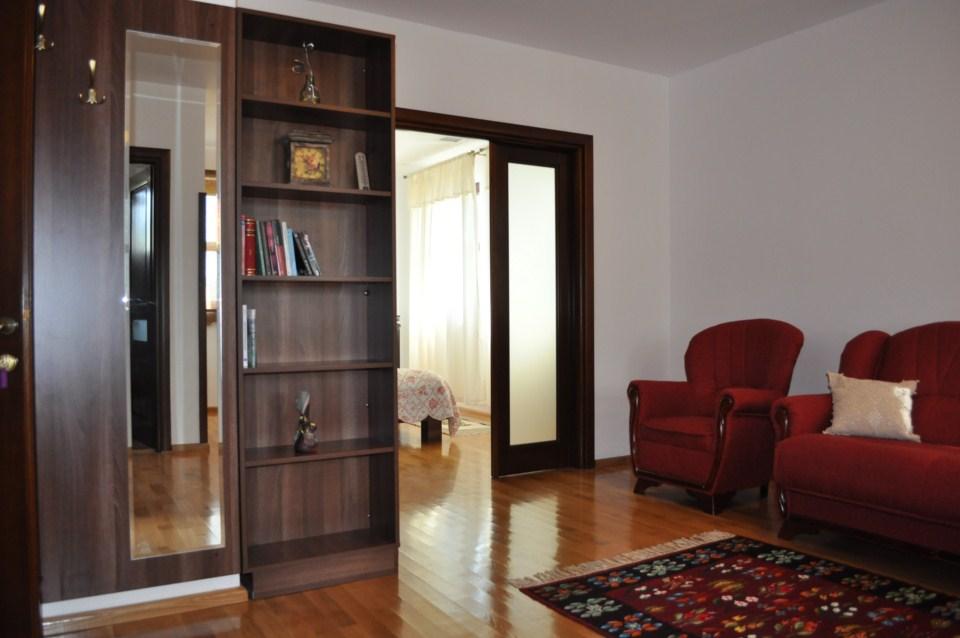 Apartament 1963, La Conac Horezu