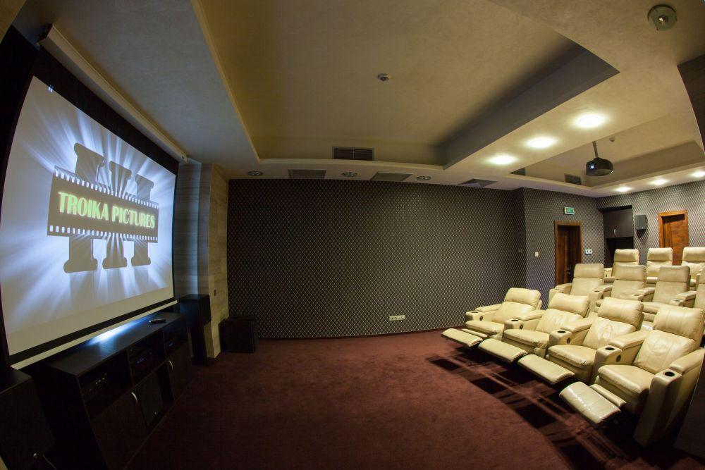 Cinema, Hotel Metropolis Bistrita