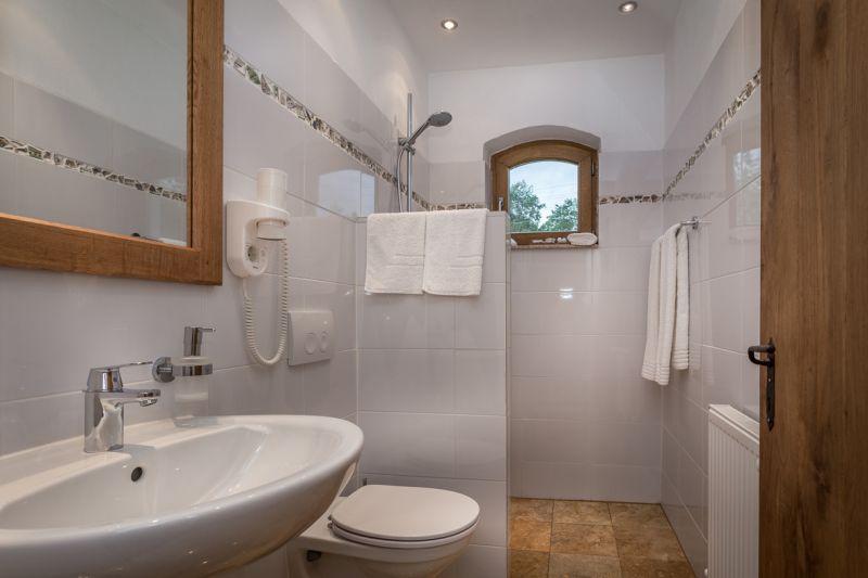 Toaleta, Hanul Vatra